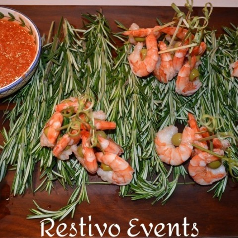 f15 - Martini Shrimp with Zesty Cocktail Sauce