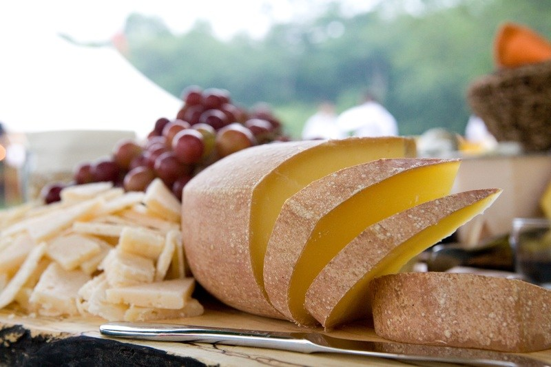 f5 - Hamptons Catering Cheese Platter