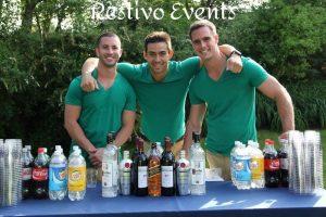 hamptons-outdoor-events-good-looking-bartenders